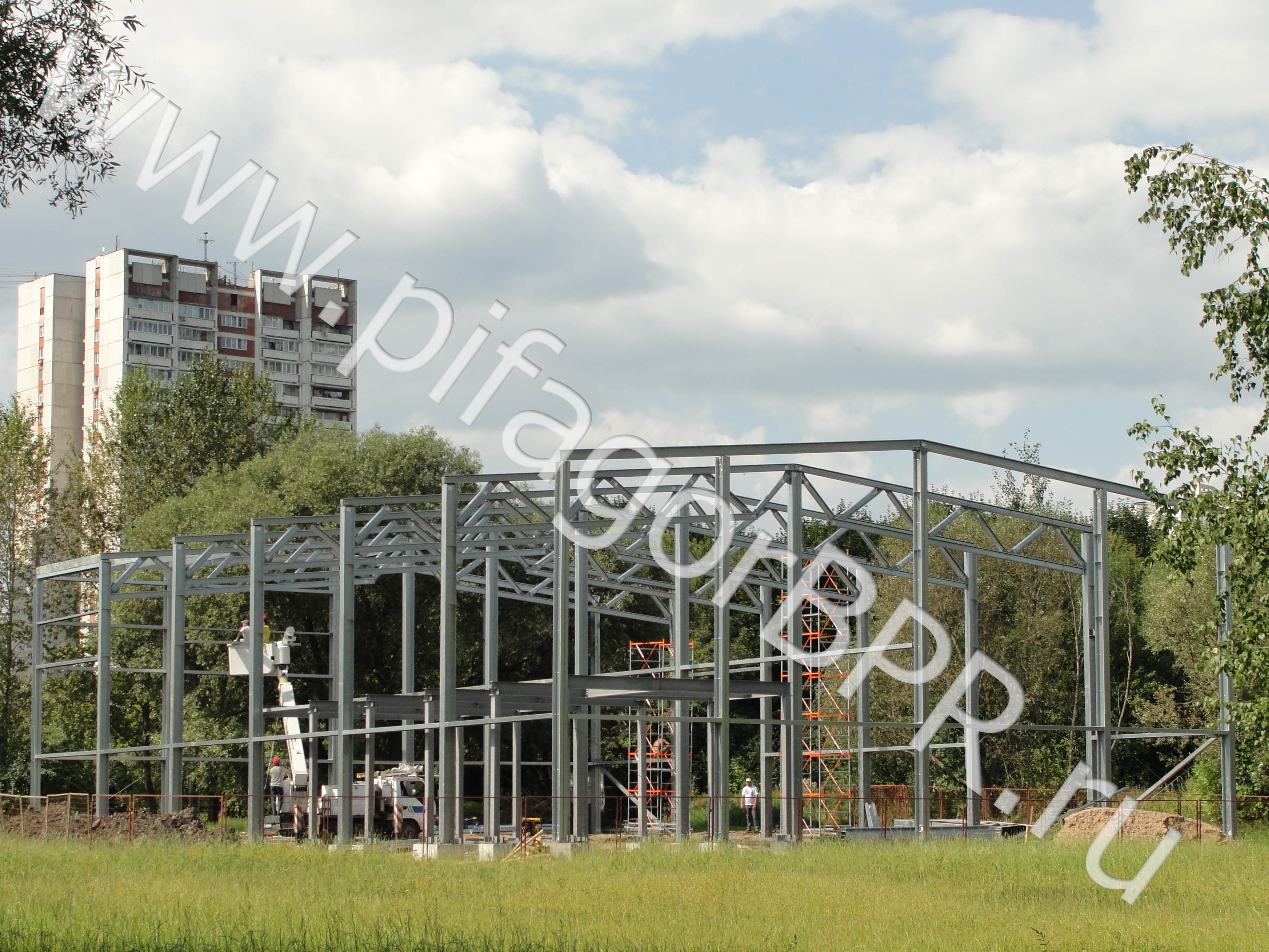 Строительство быстровозводимых металлокаркасных зданий